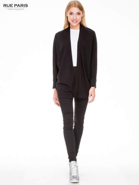 Czarna dresowa otwarta bluza z nietoperzowymi rękawami                                  zdj.                                  2
