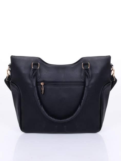 Czarna fakturowana torba ze złotymi nitami                                  zdj.                                  4