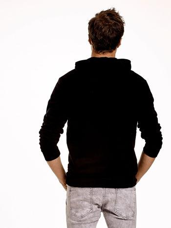 Czarna gładka bluza męska z kieszeniami i kapturem                                  zdj.                                  5