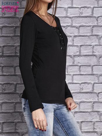 Czarna gładka bluzka ze sznurowanym dekoltem i troczkami                                   zdj.                                  4