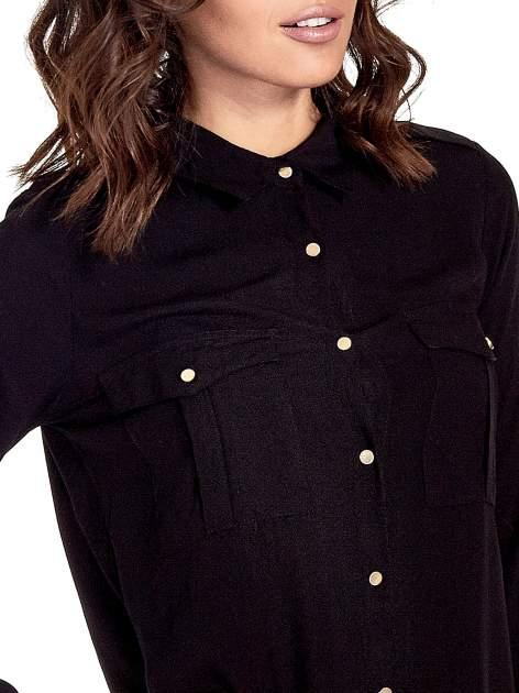 Czarna klasyczna koszula z kieszonkami po bokach                                  zdj.                                  6
