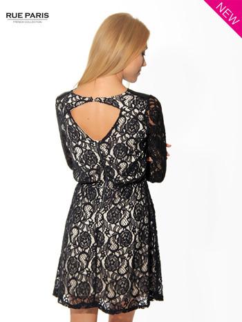 Czarna koronkowa sukienka z rękawem 3/4                                  zdj.                                  4