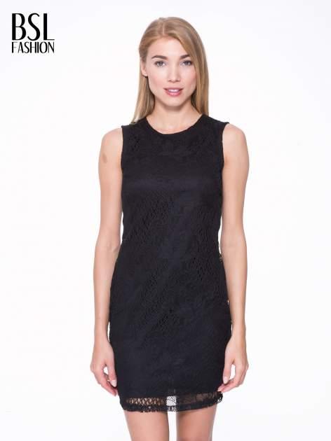 Czarna koronkowa sukienka z wycięciem na plecach                                  zdj.                                  1