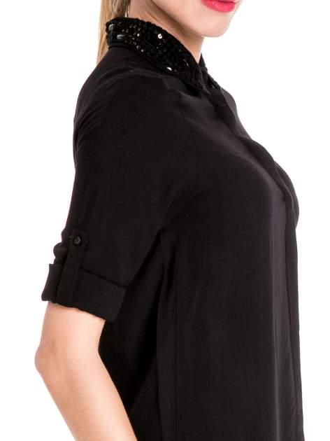 Czarna koszula z biżuteryjnym kołnierzykiem                                  zdj.                                  6