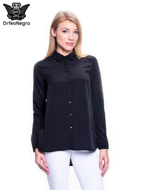 Czarna koszula z koronkową wstawką przy ramionach                                  zdj.                                  1