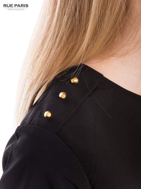 Czarna koszula ze złotymi ćwiekami na ramionach                                  zdj.                                  4