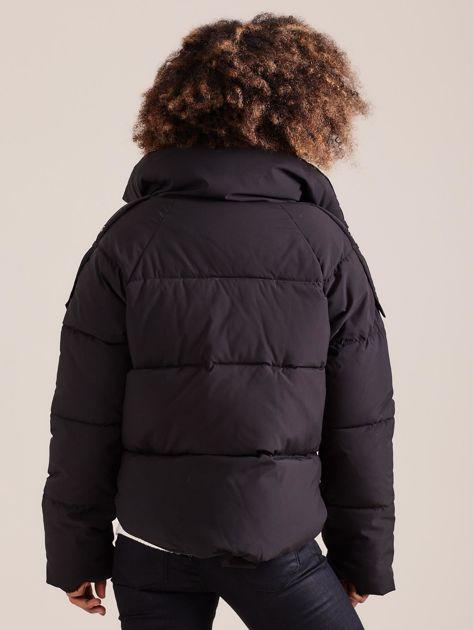 Czarna krótka kurtka puchowa                               zdj.                              2
