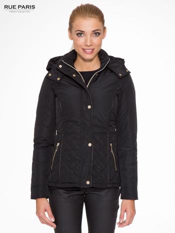 Czarna kurtka z pikowanymi wstawkami i skórzaną lamówką