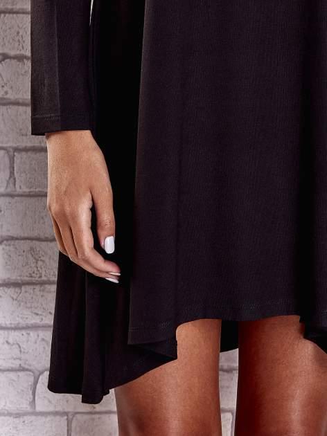 Czarna lejąca sukienka z golfem                                  zdj.                                  8