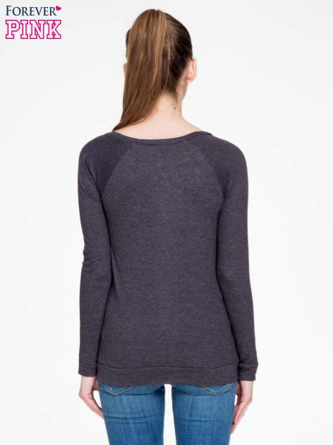 Czarna melanżowa bawełniana bluzka z rękawami typu reglan                                  zdj.                                  4