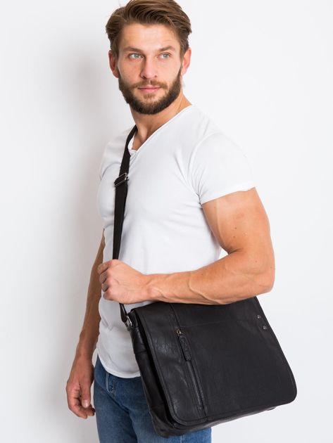 Czarna męska torba na ramię z ekoskóry                              zdj.                              2