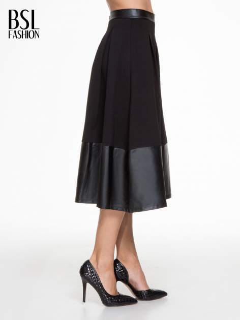 Czarna midi spódnica ze skórzanym pasem na dole                                  zdj.                                  3