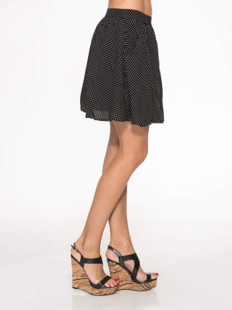 Czarna mini spódnica w kropki                                  zdj.                                  3