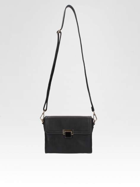 Czarna mini torebka listonoszka z klapką                                  zdj.                                  5