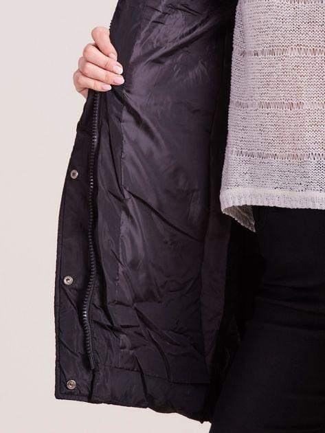 Czarna pikowana kurtka na zimę                              zdj.                              8