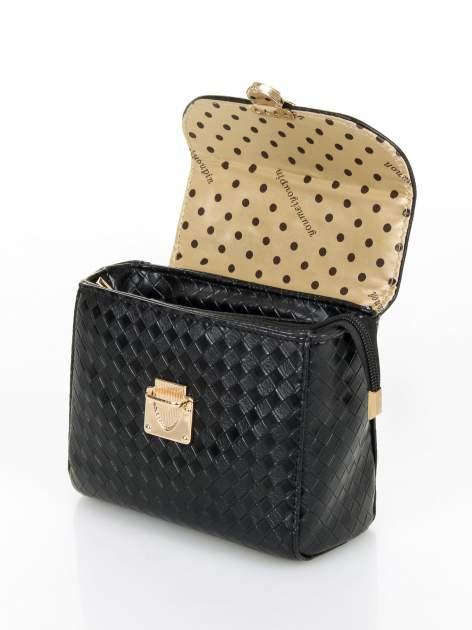 Czarna pikowana mini torebka kuferek w stylu retro                                  zdj.                                  8
