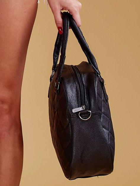 Czarna pikowana torba z ekoskóry                              zdj.                              5