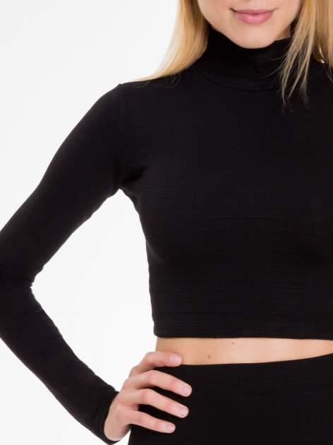 Czarna prążkowana bluzka cropped z golfem                                  zdj.                                  5