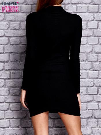 Czarna prążkowana sukienka                                  zdj.                                  4