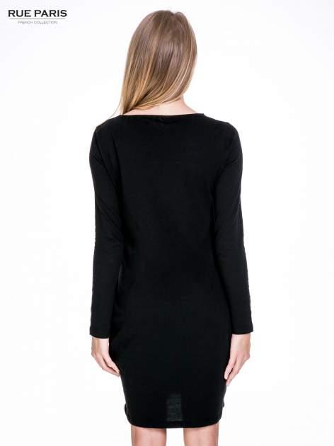 Czarna prosta sukienka z kieszeniami                                  zdj.                                  4