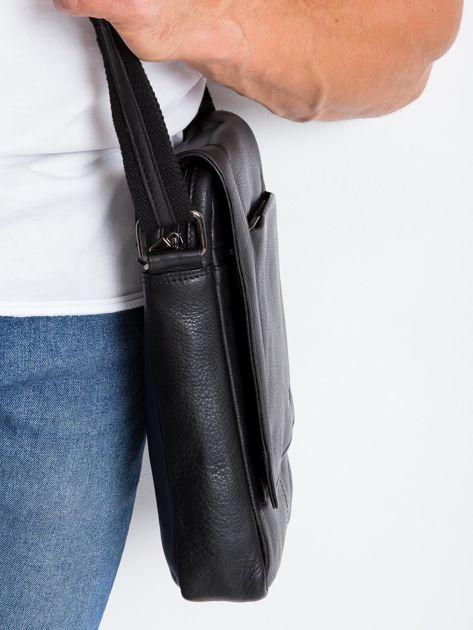 Czarna prostokątna męska torba ze skóry                              zdj.                              5