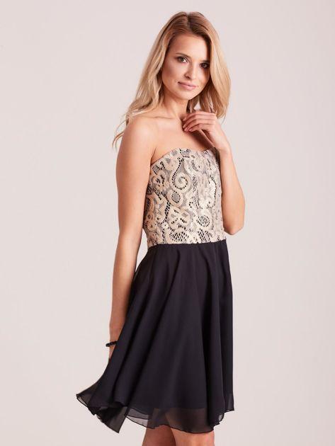 Czarna rozkloszowana sukienka z koronką                              zdj.                              3
