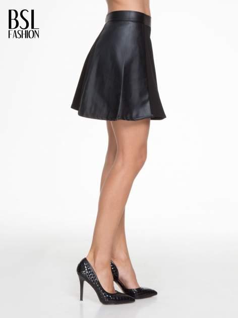 Czarna skórzana mini spódniczka                                  zdj.                                  3