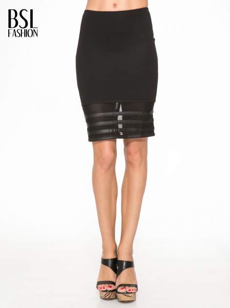 Czarna spódnica tuba z panelami ze skóry