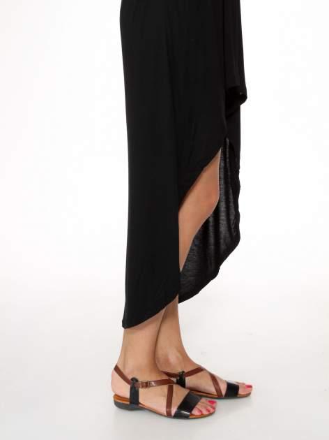 Czarna sukienka bez ramiączek z dłuższym tyłem                                  zdj.                                  7