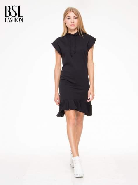 Czarna sukienka dresowa z falbaną na dole                                  zdj.                                  2