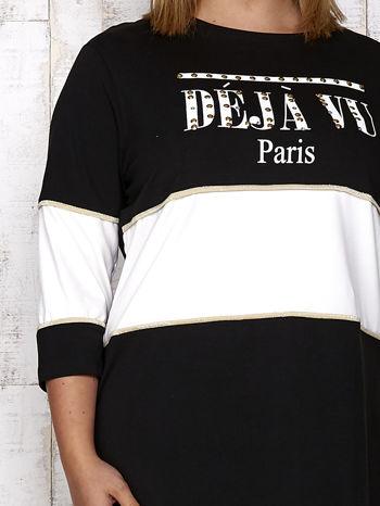 Czarna sukienka dresowa z napisem DÉJÀ VU PLUS SIZE                                  zdj.                                  5