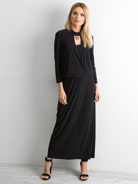Czarna sukienka maxi z wycięciem                              zdj.                              1