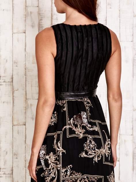 Czarna sukienka maxi ze skórzanym pasem                                  zdj.                                  5