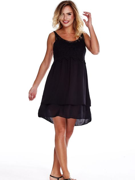 Czarna sukienka na cienkich ramiączkach                              zdj.                              4