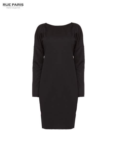 Czarna sukienka oversize z obniżoną linią ramion                                  zdj.                                  5