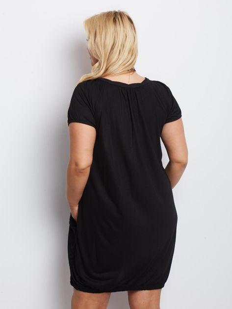 Czarna sukienka plus size Pristine                              zdj.                              2