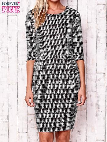 Czarna sukienka w graficzne wzory z rękawem 3/4                                  zdj.                                  1