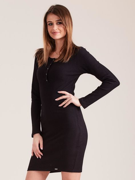 Czarna sukienka w prążek z guzikami                              zdj.                              3