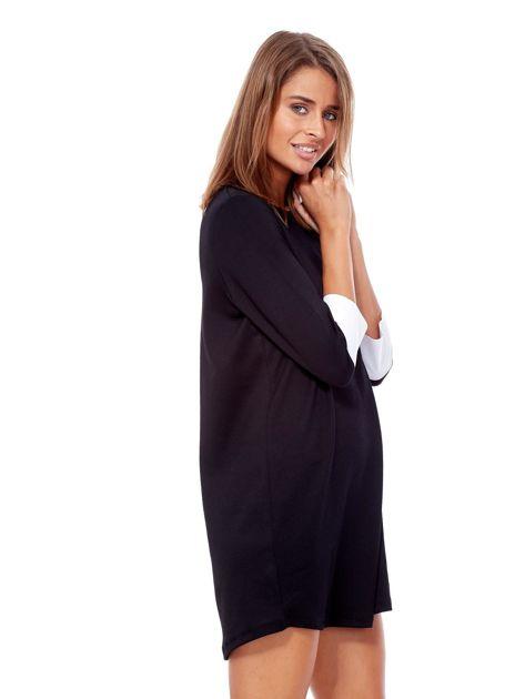 Czarna sukienka z biżuteryjną naszywką i koszulowymi mankietami                              zdj.                              5