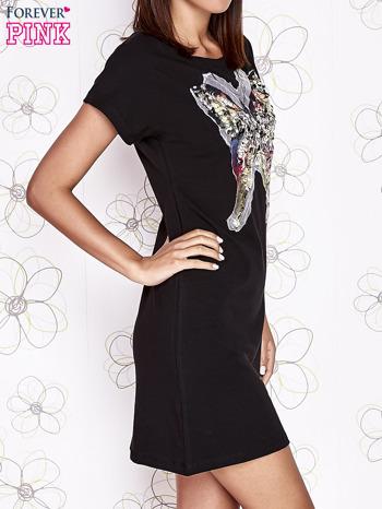 Czarna sukienka z cekinowym motylem                                  zdj.                                  3