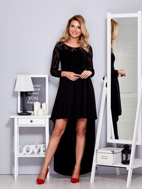 Czarna sukienka z dłuższym tyłem i koronkowym rękawami                              zdj.                              1