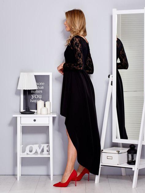 Czarna sukienka z dłuższym tyłem i koronkowym rękawami                              zdj.                              5