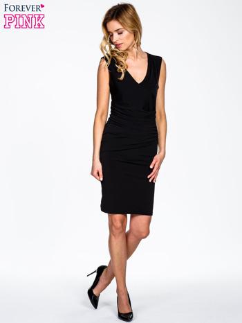Czarna sukienka z drapowaniem                                  zdj.                                  2
