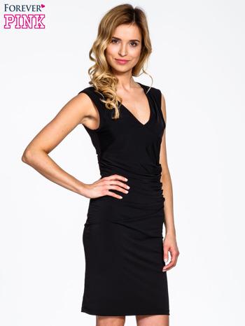 Czarna sukienka z drapowaniem                                  zdj.                                  3