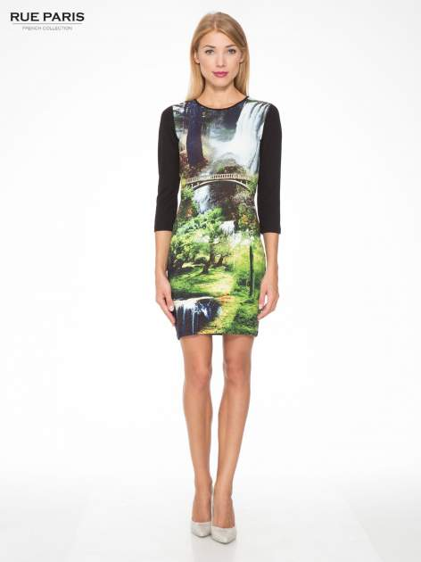 Czarna sukienka z fotograficznym nadrukiem krajobrazu                                  zdj.                                  2