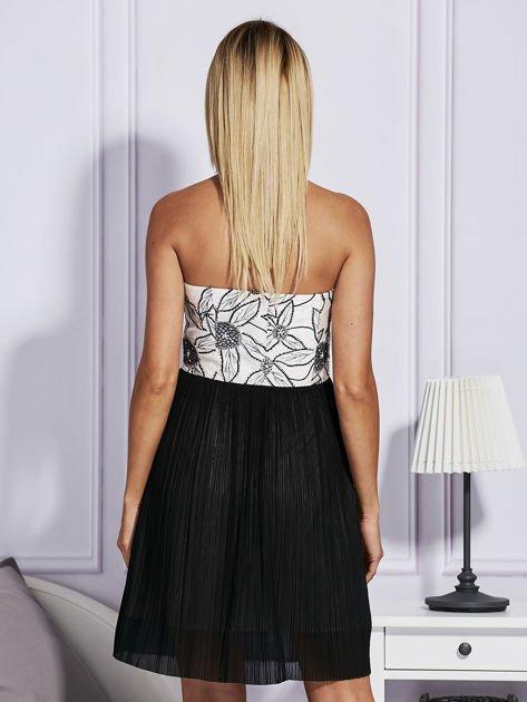 Czarna sukienka z haftowaną górą                                  zdj.                                  2