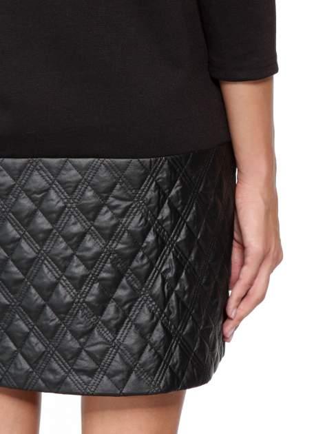 Czarna sukienka z kieszonką i dołem z pikowanej skóry                                  zdj.                                  11