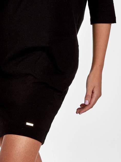 Czarna sukienka z rękawem za łokieć                                  zdj.                                  7
