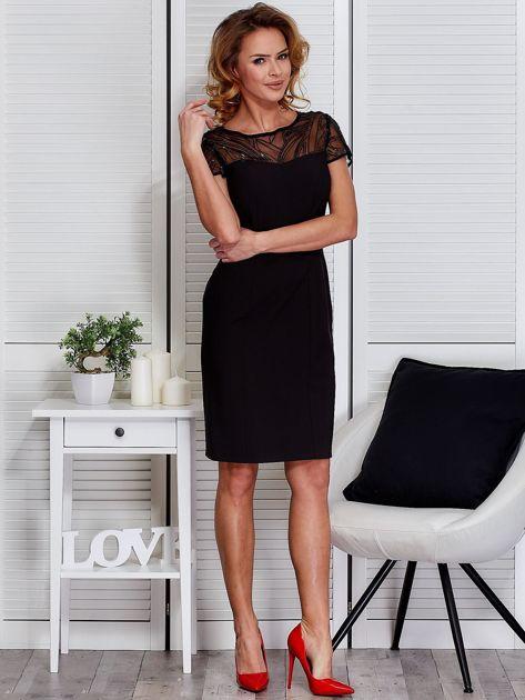 Czarna sukienka z siateczkową górą                              zdj.                              4