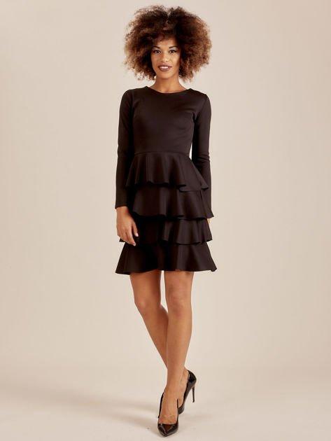 Czarna sukienka z warstwowymi falbanami                              zdj.                              4